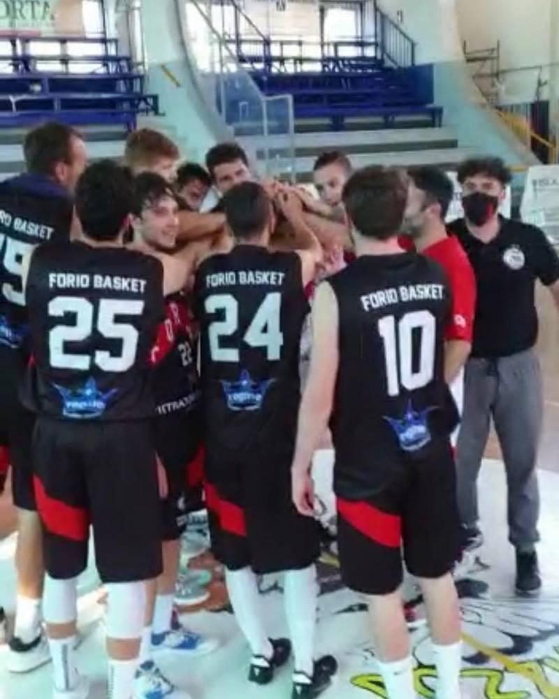 Undici su undici: continua il sogno della Pietratorcia Forio Basket, superata Rende