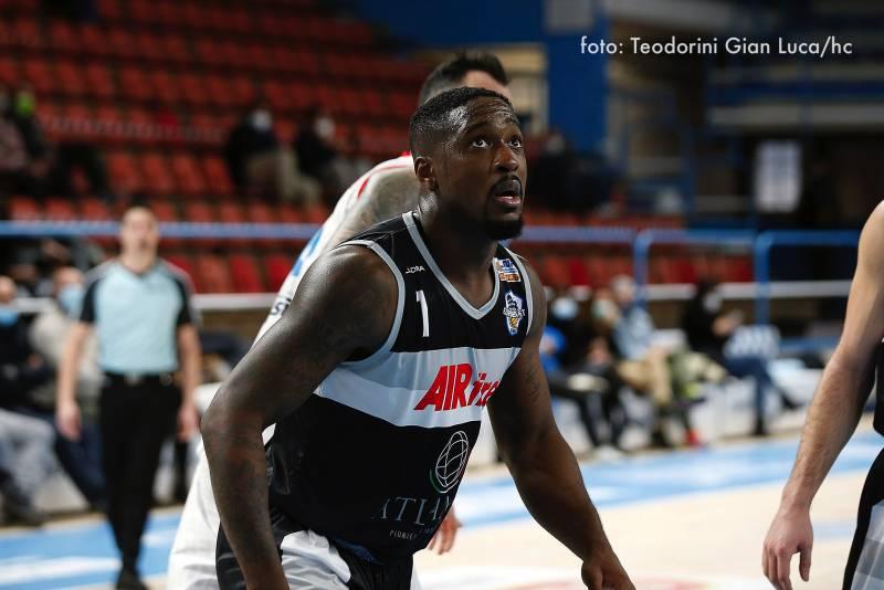 Si ferma a Ferrara un'Atlante Eurobasket Roma dalle due facce