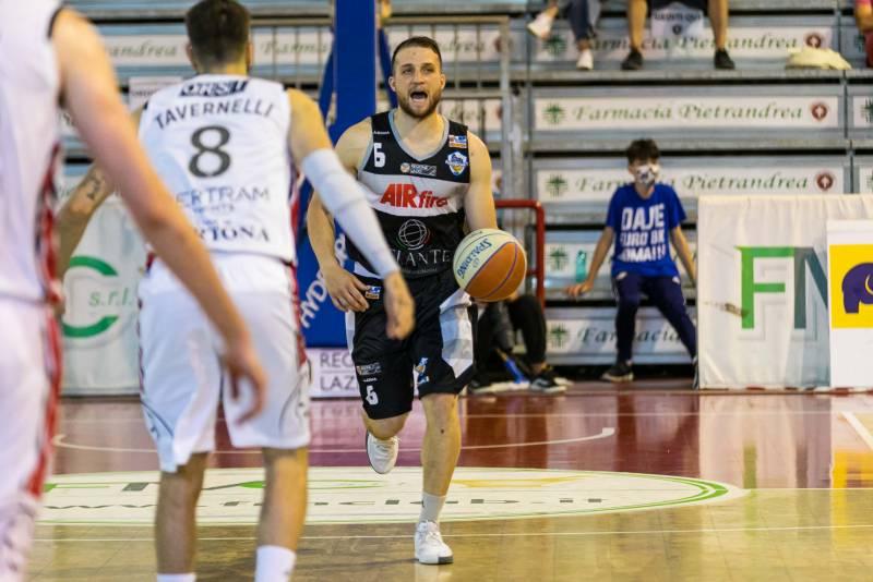 Un'Atlante Eurobasket Roma tutto cuore cede a Tortona solamente nelle ultime battute di gara 4