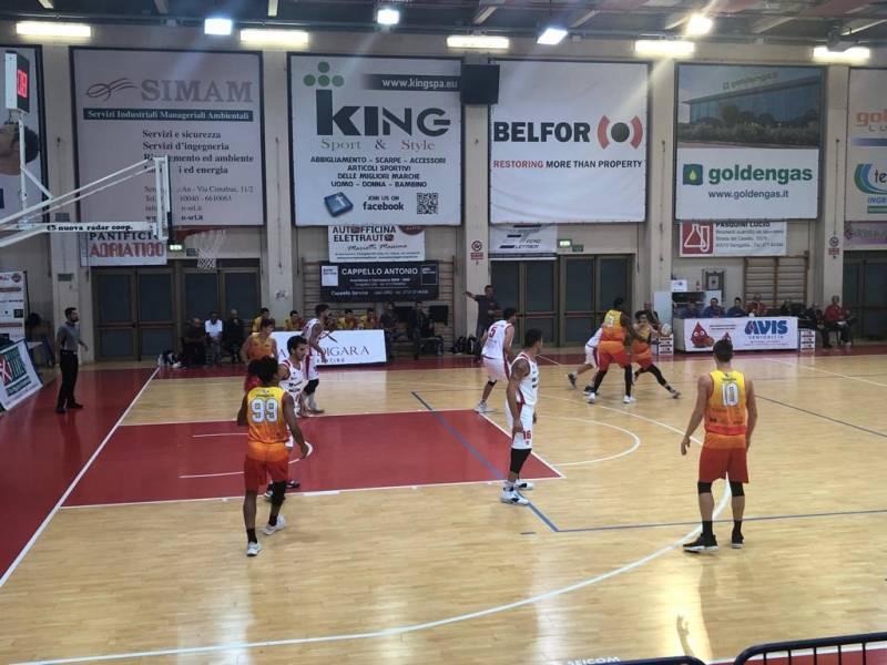 Il Giulianova Basket 85 sbanca Senigallia e sale a quota 4 punti in classifica