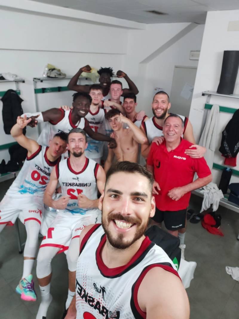 L'Unibasket supera il Pescara Basket e conquista il quarto posto con un turno di anticipo